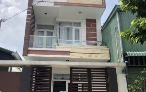 Chính chủ bán gấp căn nhà ở tương chợ hiệp DT5x25=125m sổ hồng riêng , thổ cư 60m.