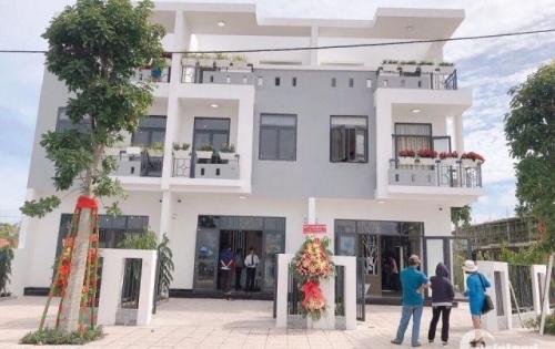 Nhà phố giá cực rẻ nằm trong khu du lịch Giang Điền sầm uất- 1 trệt 2 lầu, 1tỷ8/ căn, 0906844115