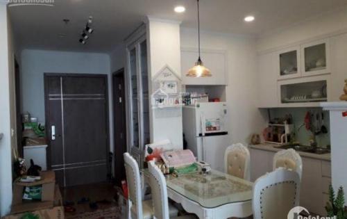 Chính chủ cho thuê căn hộ chung cư. dt 82m2. Thiết kế 3 PN, 2WC. Nội thất được trang bị đầy đủ gồm điều hòa, nóng lạnh, tủ bếp, rèm cửa, sofa.... Giá 9tr/th