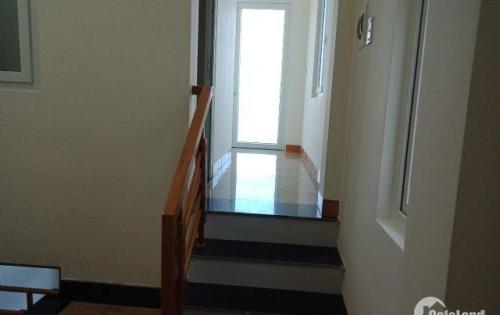 Cho thuê nhà 3 tầng MT Nguyễn Văn Linh, rất thích hợp để kinh doanh, giá thuê: 70 triêu/tháng