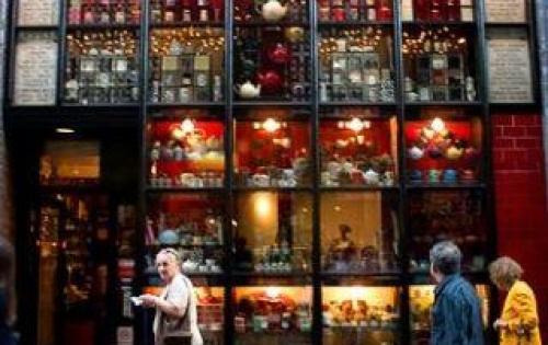 Cho thuê nhà mặt phố mở bar, pub, cà phê, thời trang. DT: 90m2, MT: 9m.