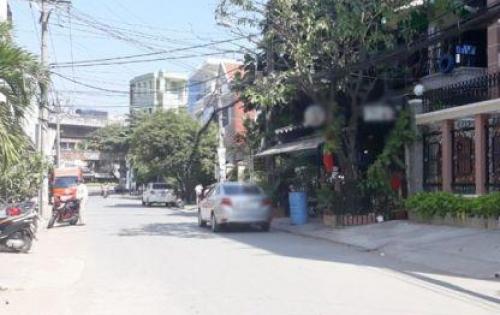 Cho thuê biệt thự 2 lầu mặt tiền đường 10m Huỳnh Tấn Phát quận 7.