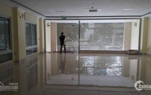Rất Gấp 30tr, cho thuê 200m2 thông sàn văn phòng cạnh Royal city , Vũ Trọng Phụng