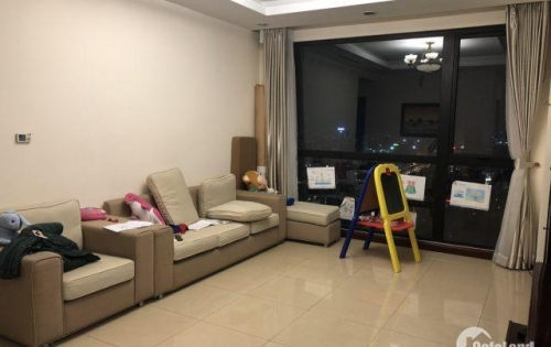Chính chủ cho thuê căn hộ CC 3PN - 133,6m2 Royal City, Hà Nội. Giá tốt