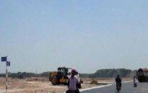 Vị trí đắc địa nằm trên trục đường chính 835 lưu thông về các tỉnh Miền Tây bằng Quốc lộ 1A.