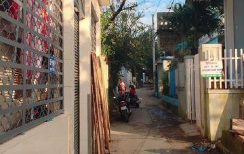 Bán nhanh lô đất đẹp 2 mặt tiền Duy Tân, Kiệt ôtô 4m. Sát trung tâm thành phố