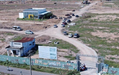 CẦn bán đất đầu đường Nguyễn Hải