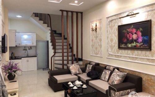 Bán nhà ngõ đẹp nằm trong khu trung tâm Ba Đình, nhà mới nội thất xịn giá chỉ hơn 3.xxx tỷ