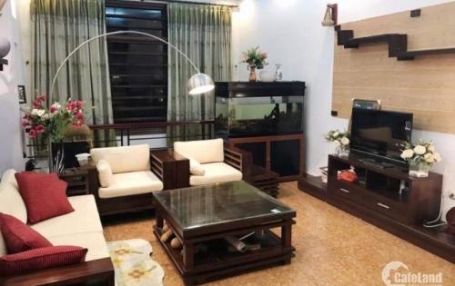 Bán nhà tại Văn Cao, ngõ 3 gác, 42m2 x 4 tầng, giá 4 tỷ