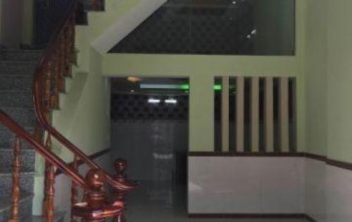 Bán căn nhà ở đường D1 Bình Thạnh 131m2 giá 2.6 tỷ alo 0765.974.917 Tòng