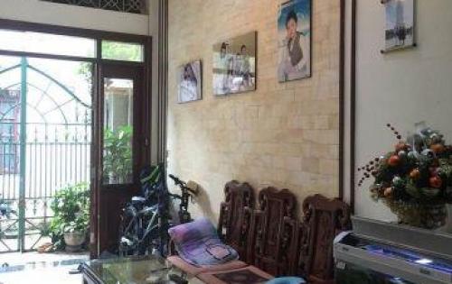 Bán gấp nhà Nguyễn Khánh Toàn, phân lô, ô tô đỗ sát nhà, 53m2 x 5T, MT 5m