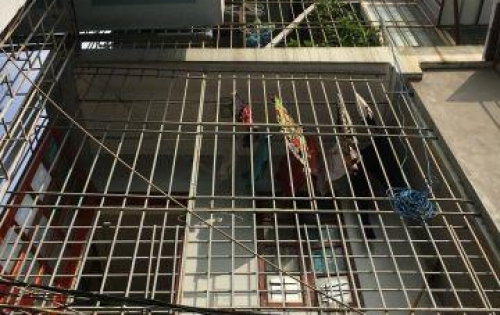 Bán nhà Cầu Giấy 9.5 tỷ, 62m2 ngõ 255 Nguyễn Khang. oto đỗ