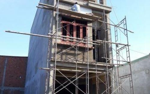Bán nhà 2 lầu 1 trệt,giá rẻ,mặt tiền buôn bán, đường tân an,dĩ an,bình dương,68m