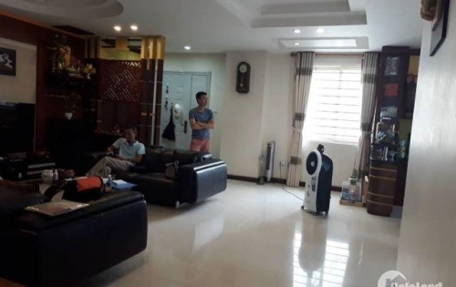 Cần bán căn 3 ngủ chung cư 181 Nguyễn Lương Bằng gần 130m2 chỉ 4.5 tỷ