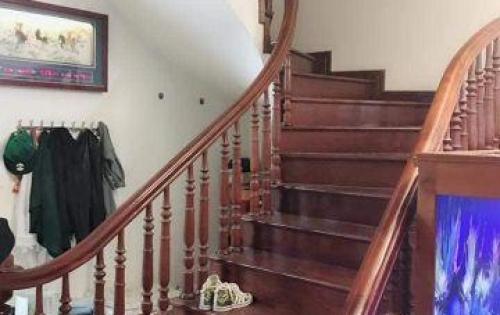Chính chủ bán gấp nhà trong ngõ Hào Nam 4 tâng, 35m2. 3.1 tỷ có thương lượng