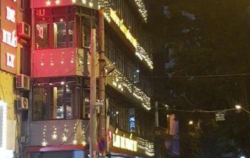 Bán gấp nhà phố Tây Sơn - Vị trí vàng - Kinh doanh sầm uất - Lô góc - 3 ô tô tránh tại Đống Đa.13.4 tỷ
