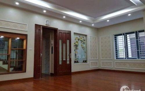 Bán nhà dọn ở ngay trước tết khu vực Thái Thịnh 24m2, 5 tầng, 2.5 tỷ.