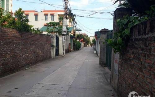 Bán đất dt 81.2m2 mt 5.2m ở Khu trung tâm, Xã Phú Thị, Huyện Gia Lâm, đường 5m