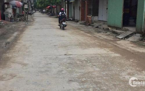 •Bán đất 2 mặt tiền, đường oto phố Ngô Xuân Quảng. DT: 87m2, giá: 35tr/m2. LH: 0962378436