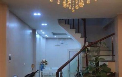 Bán nhà riêng 5 tầng, về ở luôn phố Minh Khai. DT 43m2