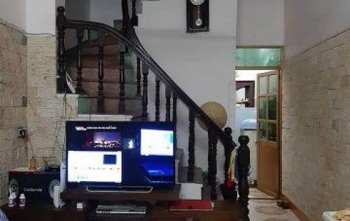 Chính chủ bán nhà 3 tầng Bùi Ngọc Dương, dt 43m2, mt 3.3m, giá chỉ 3 tỷ. lh 0912369442.