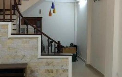 Bán nhà ngõ Hòa Bình, DT 41m2, 5 tầng, MT 4m, giá chỉ 4.5 tỷ, lh 0912369442