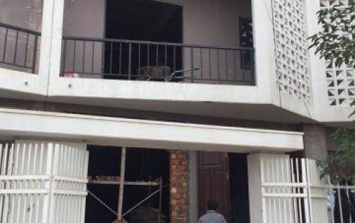 Bán nhà 3,5 tầng tại Trung Tâm huyện Hoài Đức ,giá rẻ như trung cư ,liên hệ ngay  0934.470.830