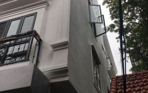 Cần bán nhà phố Hàng Chuối–Hoàn Kiếm–Ô tô đỗ cửa–3.4 tỷ.
