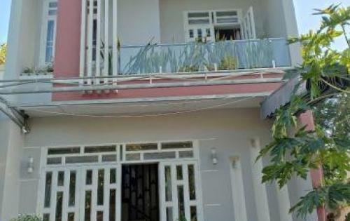 Cần tiền bán căn nhà lầu xây mới tại xã An Phước!