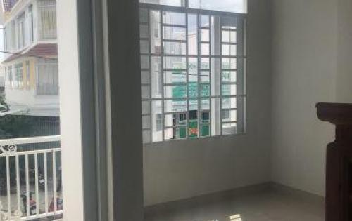 Cần bán nhà 2 tầng tđc phước long , đường lớn giá tốt Lh : 0934797168 ( Mr Lợi )