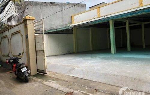 Nhà kho bán 11,4 x 22m đường Hà Huy Giáp giá 24 triệu/ m2, hẻm rộng 6m.