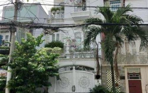 Định cư cần bán căn Biệt Thự đang ở tại đường Số 11, P. Tân Kiểng, Quận 7