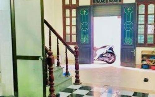 Bán gấp nhà Tân Triều, Thanh Trì, 45m2, 4 tầng, 4 ngủ, 2.2 tỷ.