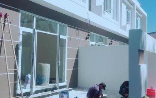 Nhà 1 lầu, 85m2, sổ riêng, sát chợ -Cách Mạng Tháng 8, Hiệp Thành, TDM