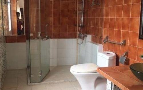 Cho thuê nhà 2 mt hẻm Lam Sơn, p6, BT - DT: 4x15m trệt 2 lầu sân thượng 4 phòng ngủ có wc, nhà đẹp nội thất cơ bản đầy đủ, phòng ngủ lót sàn gỗ.. hẻm cụt yên tĩ