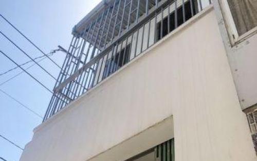 Cho thuê nhà 1 lầu vị trí đẹp lô nhì MT hẻm 109 Nguyễn Văn Quỳ, P. TTĐ, Quận 7.