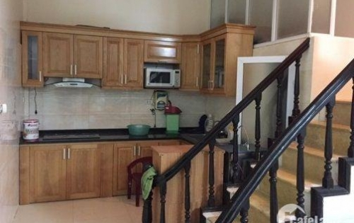 Cho thuê nhà 26 Làng Tăng Phú ,Tăng Nhơn Phú A, Q9 2 Lầu, 3PN