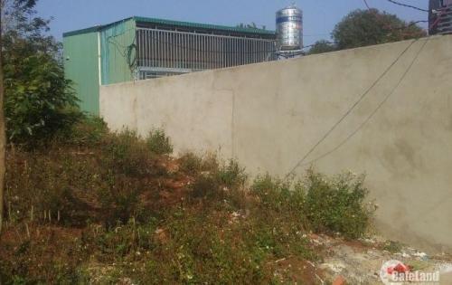 Bán đất hẻm Vành Đai gần Y Moan, giá: 215 triệu