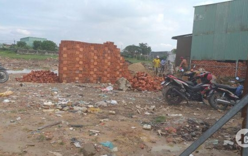 Bán đất ngay chợ ấp 5 xã Vĩnh Lộc B, xây dựng ngay -  400 triệu