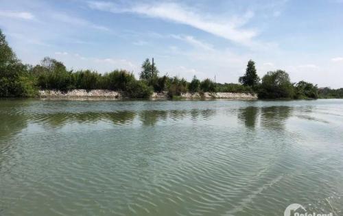 Cần bán lô đất mặt tiền sông 1000m2 giá rẻ gần Vingroup.