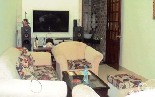 Bán nhà riêng phố Dịch Vọng vị trí đẹp, hiếm 45m2 x 4 tầng.