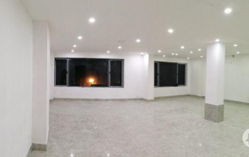 Cho thuê văn phòng tại Nguyễn Văn Huyên diện tích 90m2 giá 19tr/tháng Lh 0365057900