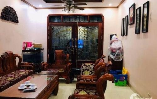 Chính chủ bán nhà phố Nguyễn Khánh Toàn - Cầu Giấy, 5 tầng, 51m2, nở hậu, giá 4,6 tỷ.