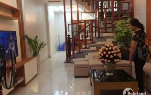 Hoàng Cầu: Nhà Phân Lô- Ô TÔ đỗ sát nhà ,MT rộng rãi 39m*4 tầng, giá thỏa thuận.