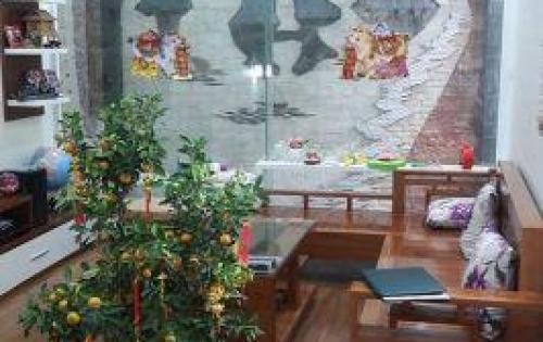 Nhà đẹp phố Yên Bình cần bán gấp 51m2 – 5 tầng chỉ 4 tỷ 5