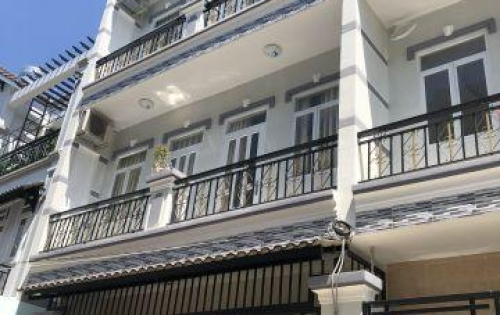 Bán nhà 2 lầu đúc đường Nguyễn Bình khu ủy ban huyện, DT 6m x 8m, 4 PN, đường xe hơi, giá 2.25 tỷ
