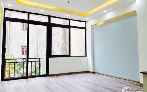 Nhà phố Bồ Đề, Long Biên mới xây cực đẹp 40m2 chỉ 3 tỷ 900 triệu