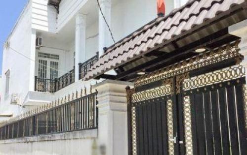 Bán biệt thự 1 lầu đẹp hẻm 115 Phạm Hữu Lầu quận 7 (đối diện chợ Phước Long).