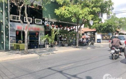 Bán nhà nát tiện xây mới mặt tiền Lâm Văn Bền quận 7.
