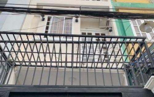 Bán nhà đẹp 2 lầu hẻm 381 Huỳnh Tấn Phát Quận 7